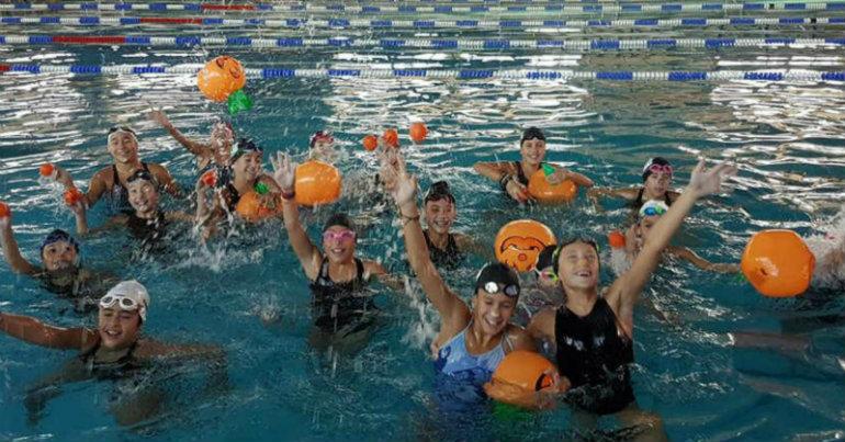Halloween Party στην πισίνα! (pic)