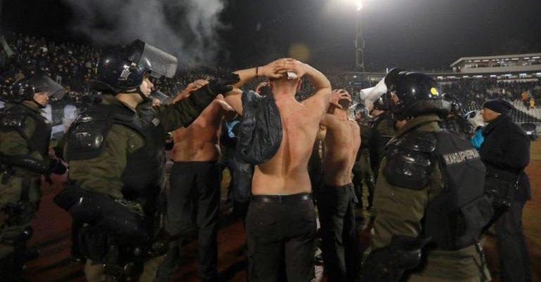 Κόλαση στο Βελιγράδι! (pics+videos)