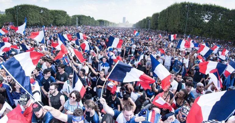 Υποδοχή ηρώων στο Παρίσι