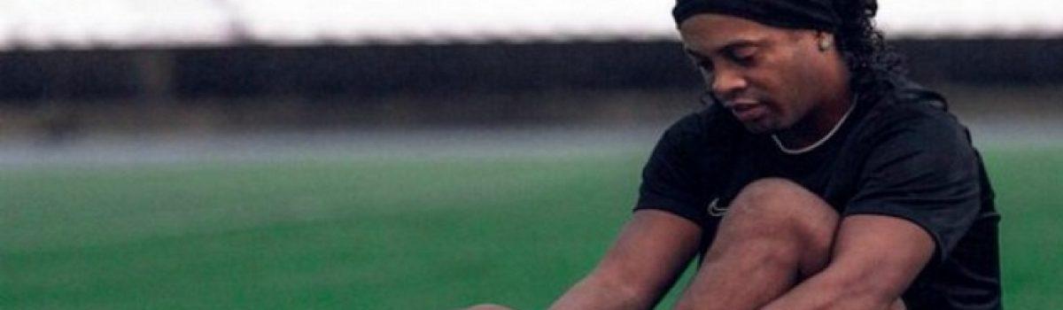 Επιστρέφει στο ποδόσφαιρο ο Ροναλντίνιο;