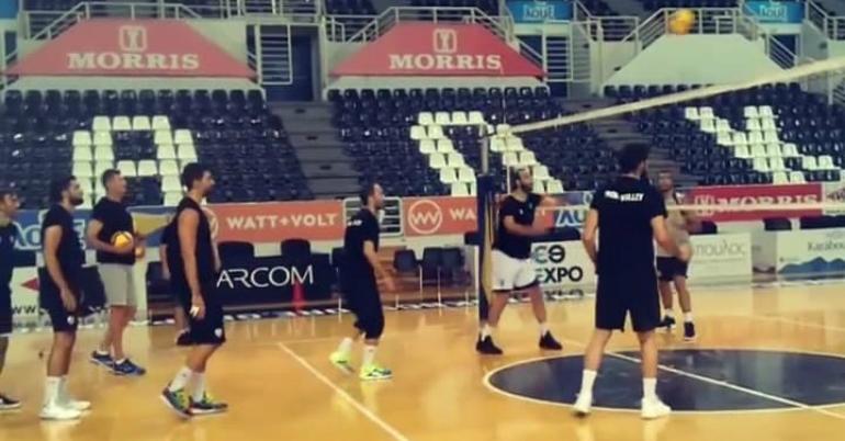 Μπήκε γήπεδο ο ΠΑΟΚ (video)