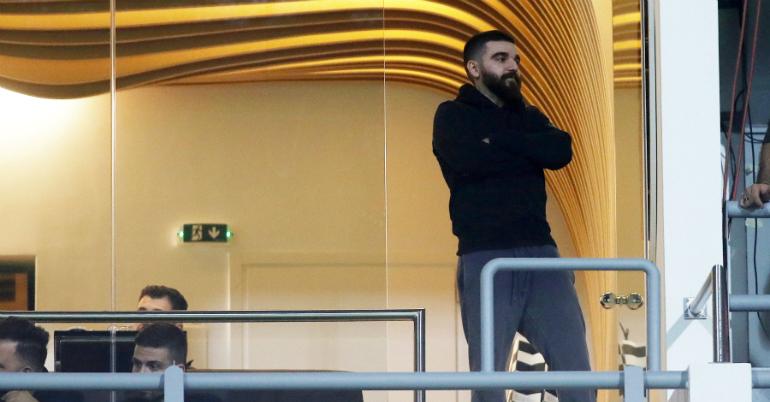 Τρολάρει Ολυμπιακό ο Σαββίδης! (pic)
