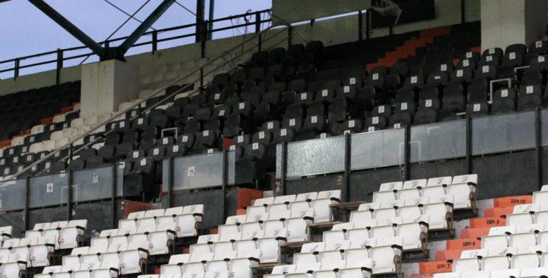 Ο κορωνοϊός αδειάζει τα γήπεδα σε Ελλάδα και Ευρώπη