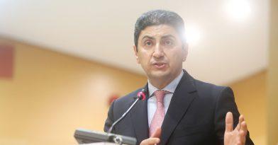 Αυγενάκης: Διασύρθηκε… κι έπειτα σύρθηκε σε διπλή αλλαγή