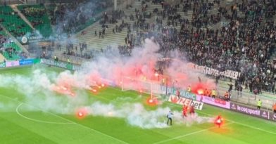 «Κάηκε» από τα καπνογόνα το γήπεδο της Σεντ Ετιέν